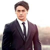 Tiger Shroff Wiki, Height, Weight, Age, Bio, Family, Affairs