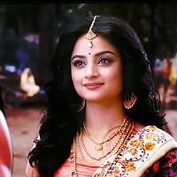 Madirakshi Mundle Wiki, Age, Height, Weight, Husband, Bio, Family