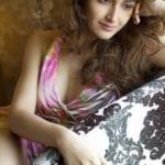 Sayyessha Saigal HD Wallpaper 1