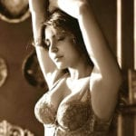 anushka sharma bra pics