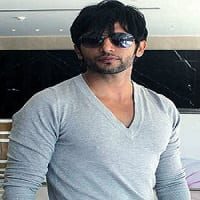 Karanvir Bohra Wiki, Wife, Salary, Affairs, Age, Biography