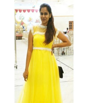 Sahithi Dasari Images Pelli Choopulu Yellow Dress