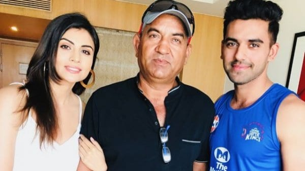 Deepak Chahar Family Photo