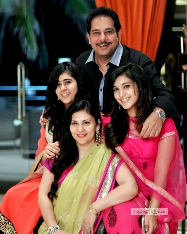 Deepika Chikhalia with-her husband and daughters