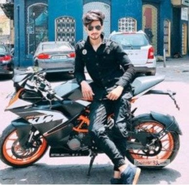faisal shaikh with his bike KTM