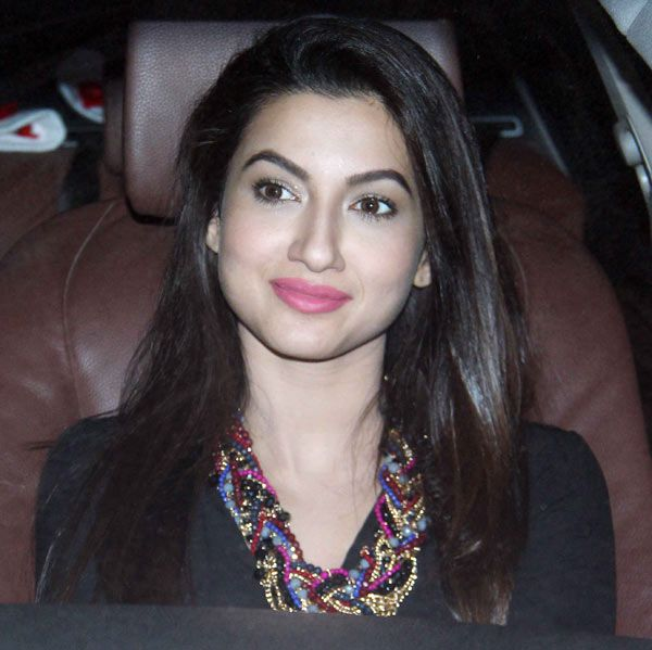 gauhar khan in car