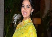 Keerthy Suresh Wiki, Age, Height, Weight, Wife, Bio, Family