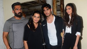 sunil-shetty with family