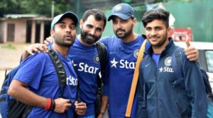 Shardul Thakur with cricketer friends