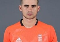Alex Hales Wiki, Wife, Salary, Affairs, Age, Biography
