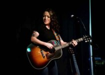 Ashley McBryde Wiki, Bio, Net Worth, Age, Height