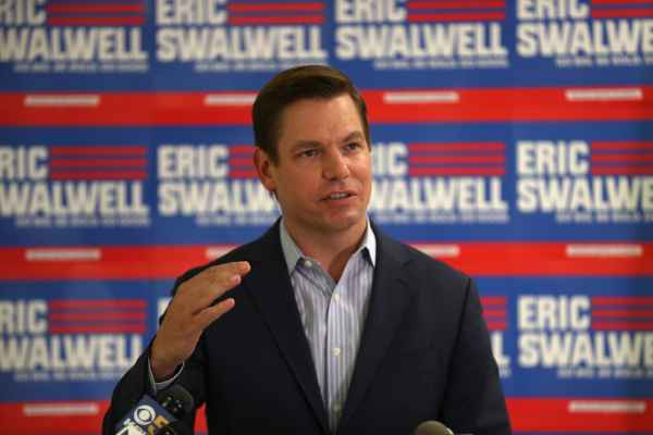 Eric Swalwell wiki, bio, Net worth, Age, Height, Wife