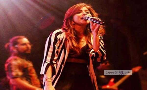 Kanika Kapoor Age, Height, Weight, Husband, Instagram