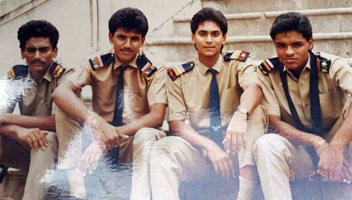 YS Jagan MOhan reddy with his friends in schoold days