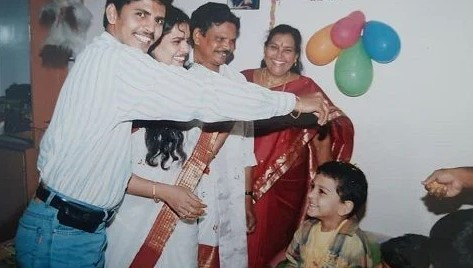 Karate Kalyani old picture with her family