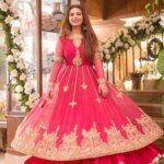 Dananeerr pawri girl in round lehenga photo