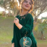 Dananeerr pawri girl latest photo in green dress